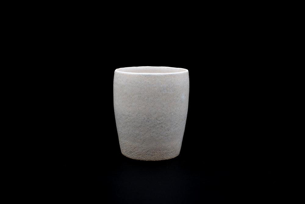 E10 | Tumbler B - Glaze: white on whiteMaterials: ClayØ 9,5cm x 10cm | Ø 3.54