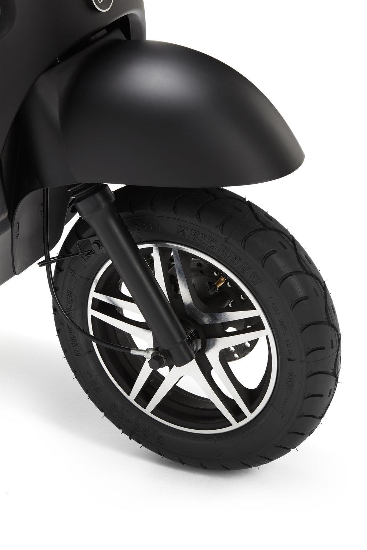 unu - front tyre by Heidenau