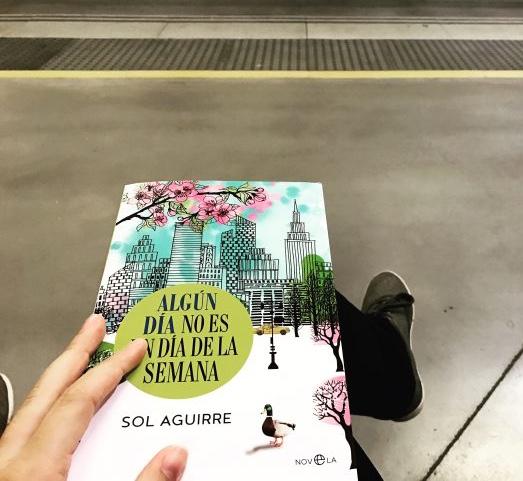 libro-recomendado-sol-aguirre-algun-dia-no-es-un-dia-de-la-semana-vlog-estetica-madrid.png