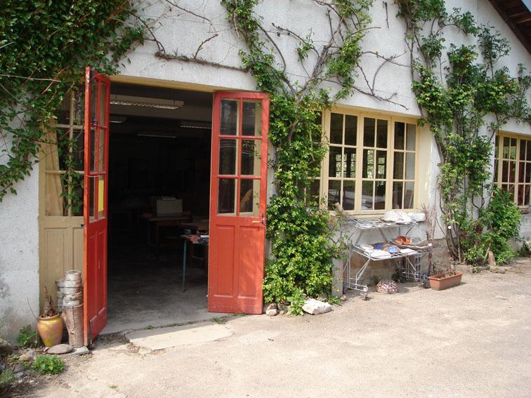 De toegang tot het atelier van Ecolonie waar je heerlijk creatief kan zijn.