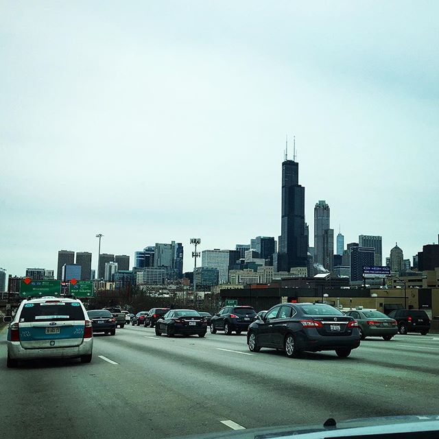 After two long days on the road I'm finally back home in IL...at least for a few weeks. Nothing like the city skyline and bumper-to-bumper traffic to greet me on this quiet Sunday. 😜 • • • #igtravel #chicago #chicagoskyline #cityscape #igerschicago #homewardbound #roadtrip #chicagogram #exploremore #mycity #wanderlust #chicagogirl #chicagogram
