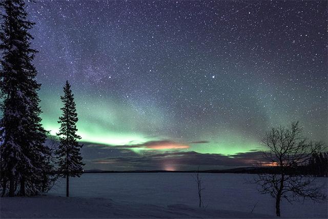 northern_lights_cropped.jpg