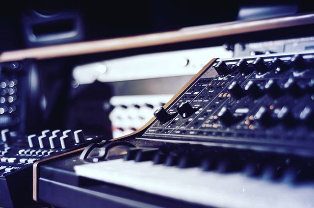 www.pushthefrequency.com Elevated Electronic Music Production and Audio Mastering.  Weaving organic feeling electronic elements in folk, dance and ambient records.