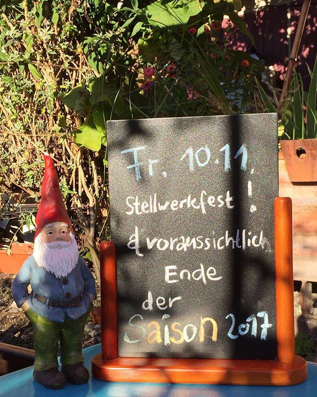 🎊🎉🎊🎉Am 10.11.17 steigt die nächste Stellwerkparty! 🎊🎉🎊🎉 Wir nehmen diese Party zum Anlass um unsere Saison zu beenden! Wir freuen uns auf einen weiteren sonnigen Monat☀️ #basel #ilgiardinourbano #saisonende #saison #ende #stellwerk #fest #party #bahnhof #stjohann #10 #november #garten #giardino #urban #garden #pizza #drinks #basilea #bâle #dreiländereck #myswitzerland #suisse #svizzera #switzerland #baselswizz #lovebasel #basel_ig #baselswitzerland #visitbasel