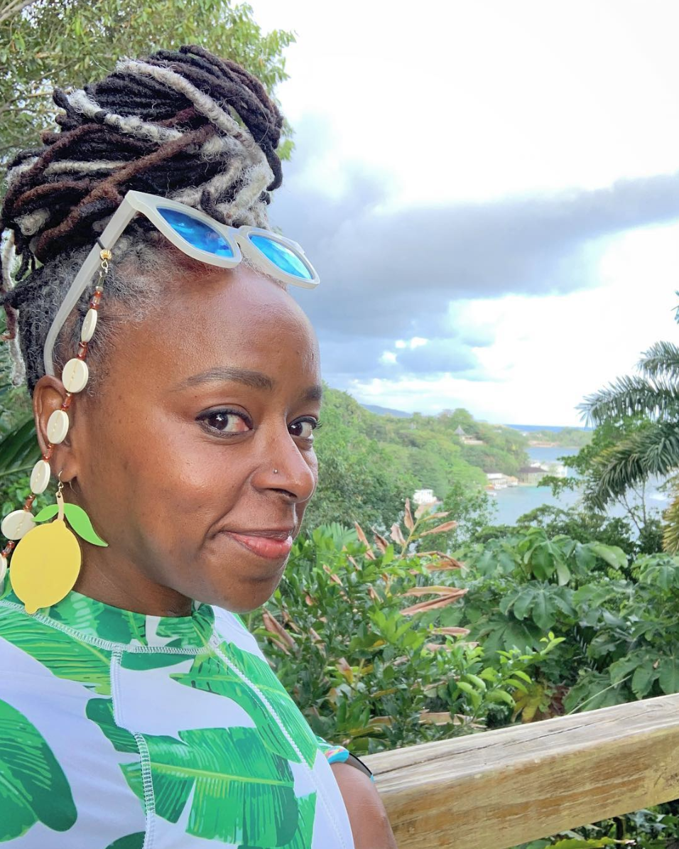 Hello! - Welcome to the website of award-winning travel journalist, Caribbean expert and stylish globetrotter Sarah Greaves-Gabbadon, aka JetSetSarah. Check me out—I'm pretty cool!