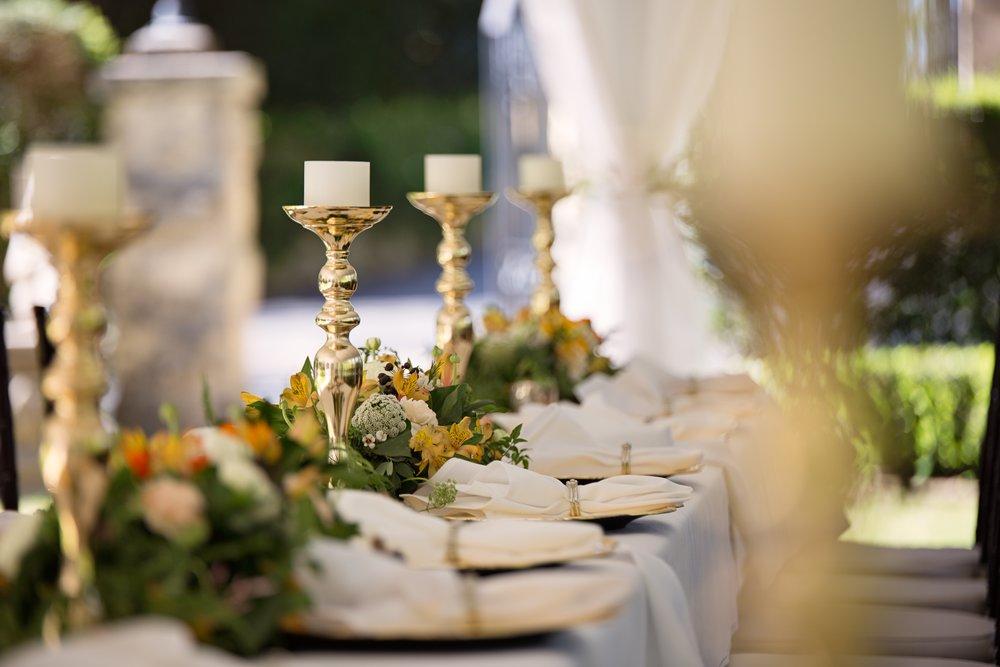 blur-candle-candlestick-1128783.jpg