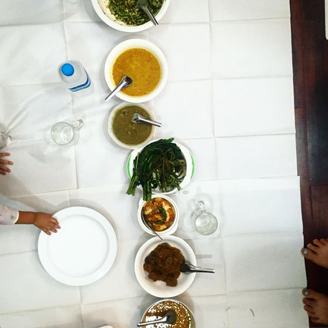 Today i got a special invite to #Thingyan lunch w local #yangon journos who are some of the most courageous folks out there. We sat on the floor making #waterfestival rice ball snacks, talking about #pressfreedom and eating curries, spicy #tamarind leaf salad with crushed peanuts and dessert soup of #tapioca, #sweetpotato, #coconutmilk and #jaggery. 🤤 and there was a hella cute baby there.