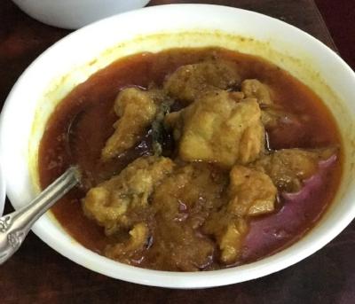 Murgir Jhol (chicken curry)