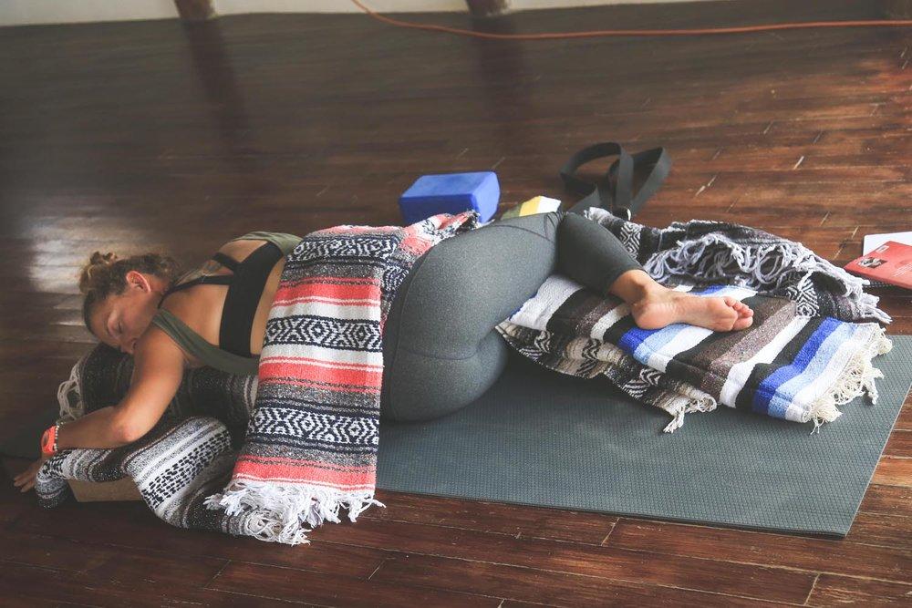 DURGA-EXCURSIONS-yin-yoga-teacher-training29.jpg