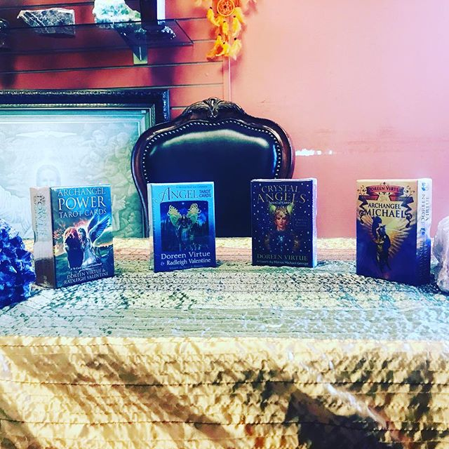 Mary Ellen Collins will be here today from 2-6PM! Mary Ellen is an intuitive and a professionally certified tarot reader and crystal diviner who has been reading and teaching tarot and crystal oracle classes for over 10 years! Call us at 5616302280 to schedule your private session! Walk-ins welcome#tarotcards #tarotreading#crystalreading