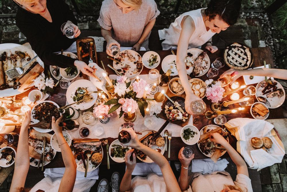 DinnerParty_221.jpg