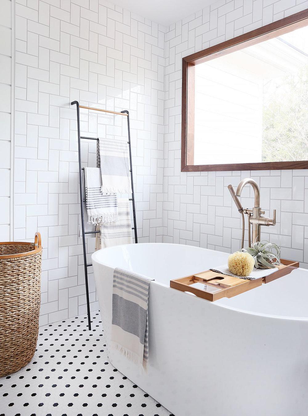 bath-corner-low.jpg