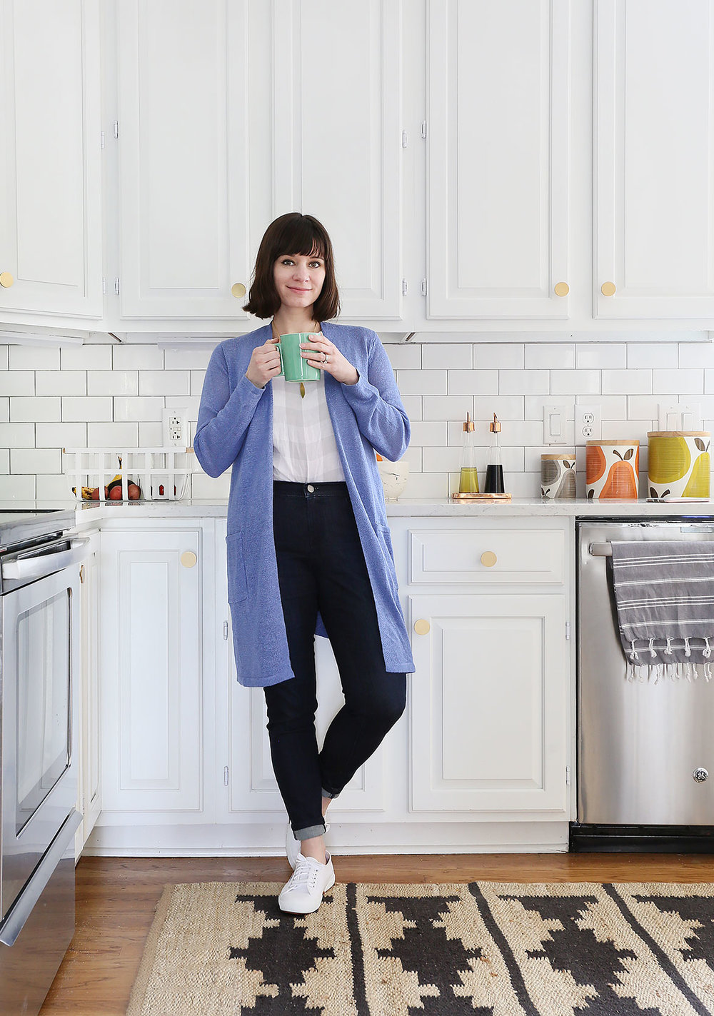 cardigan   /   jeans   /   linen top   /   white sneakers