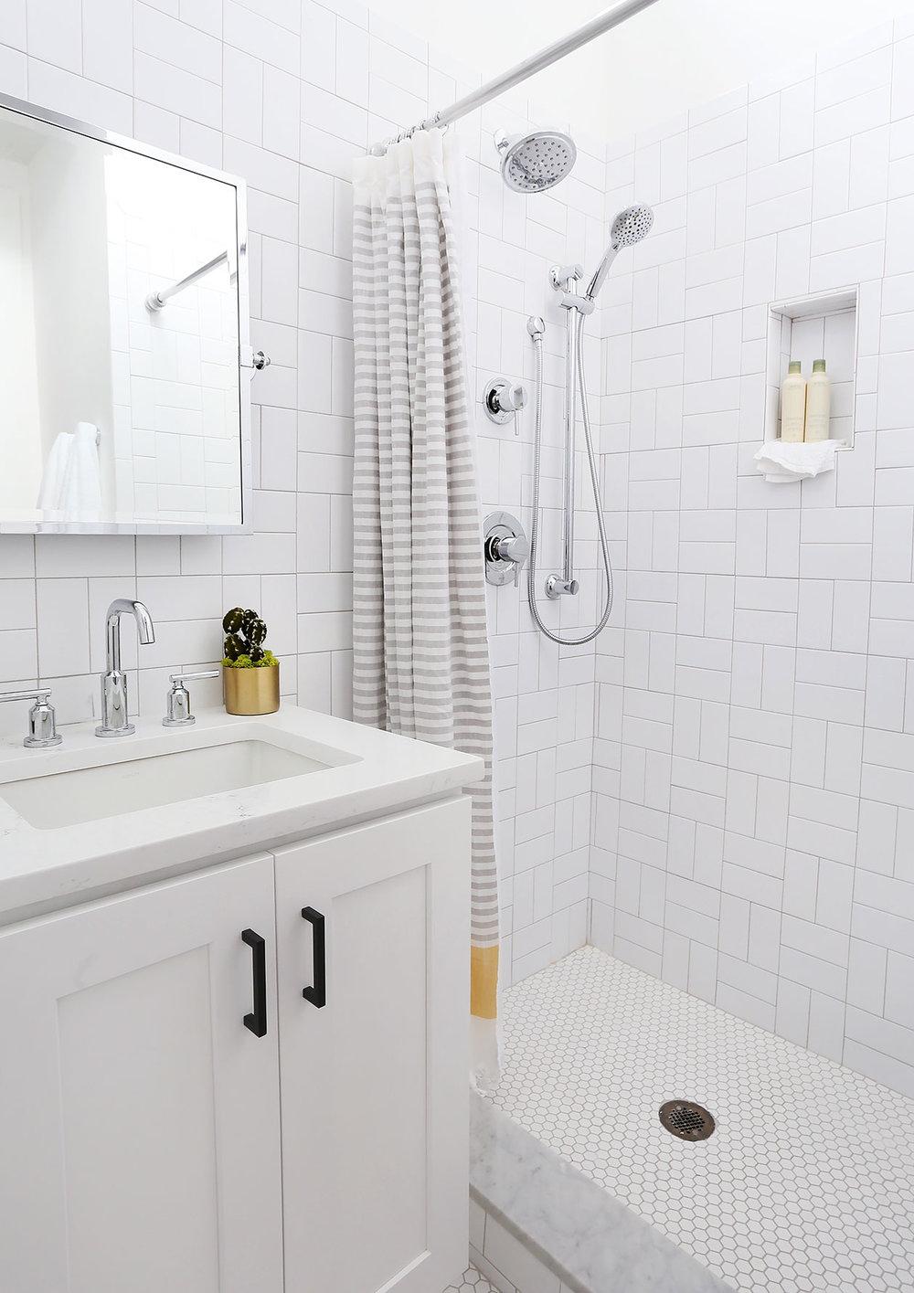 small-side-bath-1-low.jpg