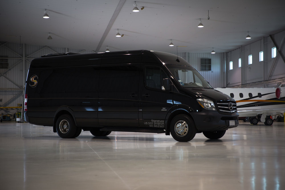 Sprinter Limo: Seats 16