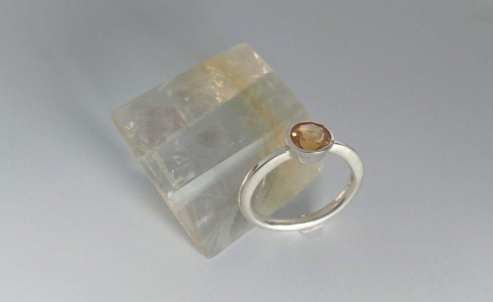 Tapered Bezel Ring