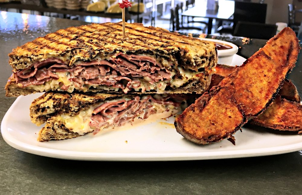 CORNED BEEF REUBEN W-STEAK FRIES (1).jpg