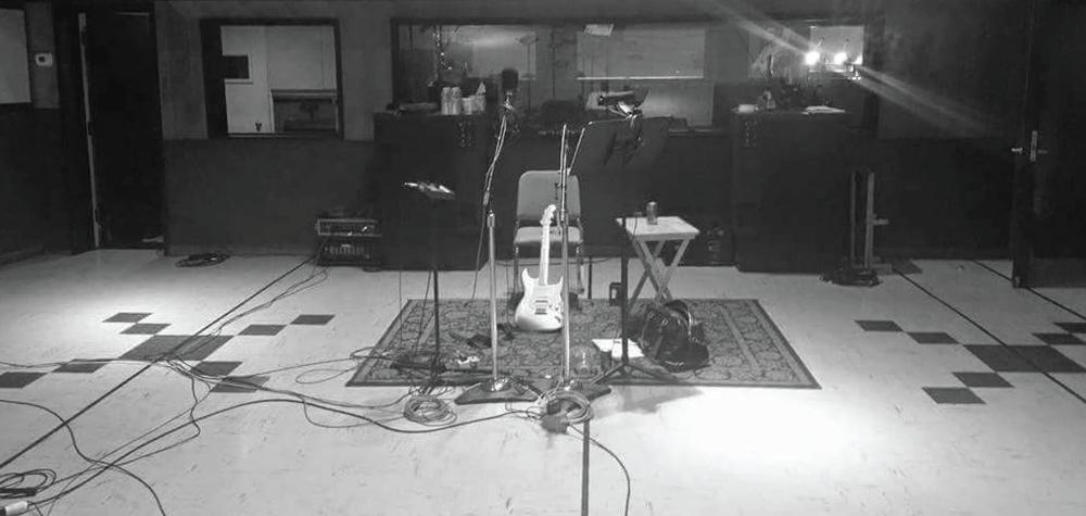 studioshot-01.png