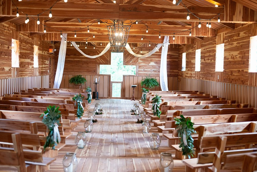 Barn Wedding in Murfreesboro -