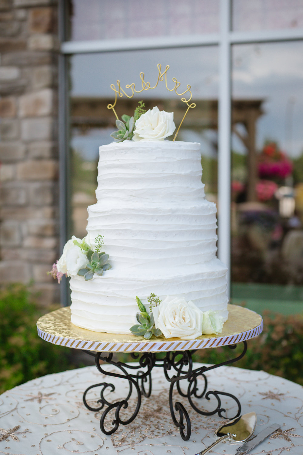 Courtney Volksen Photography | Beautiful classic wedding cake for an LDS bride in Idaho Falls, Idaho