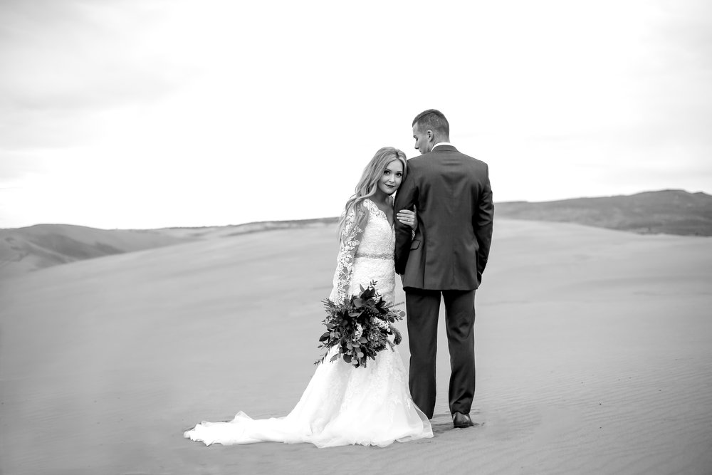 Black and white bridals at Saint Anthony sand dunes in Idaho