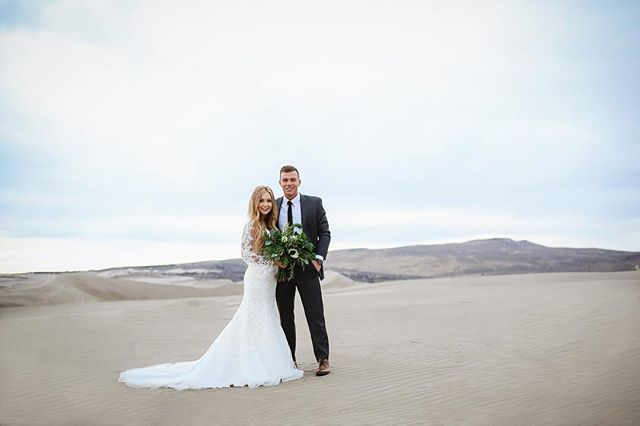 Anyone need some updated photos?? I really want to head out to the sand dunes again, especially with these gorgeous sunsets we have been having!!! #courtneyvolksenphotography #babes #idahofallsphotographer #rexburgweddings #rexburgphotographer