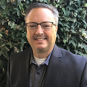 Steven Hason  Director of Product Marketing Bigtincan  Steve is a dynamic software industry veteran, bringing a breadth of experience in the execution and leadership of high-impact sales enablement strategies and marketing innovation programs.