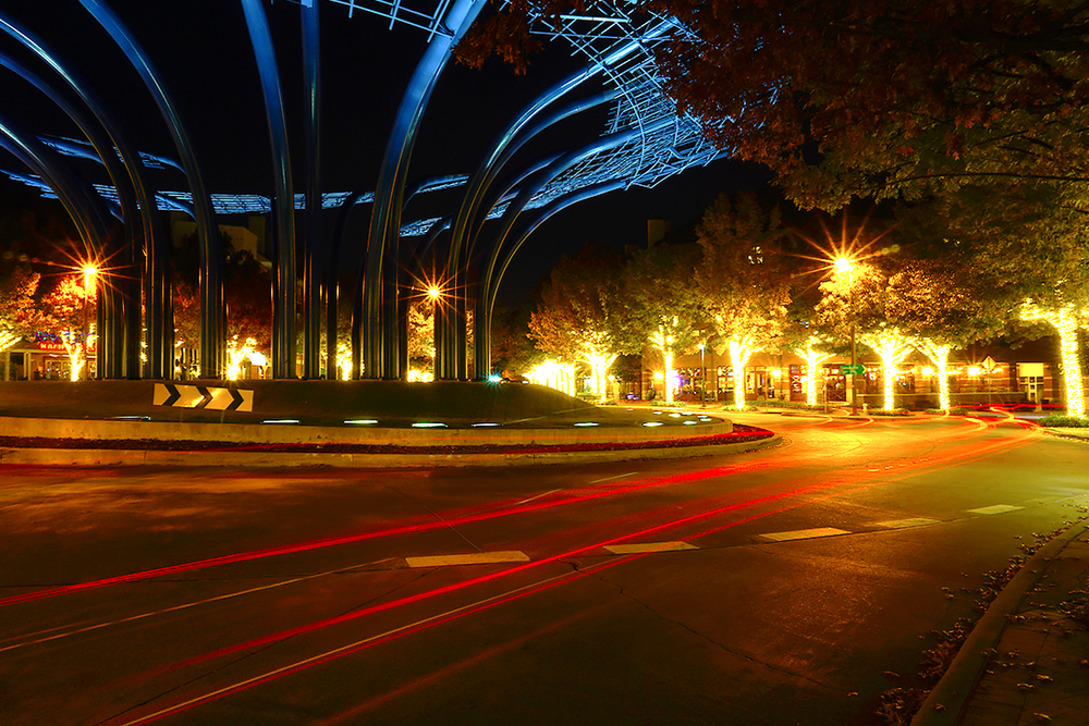 addison-circle-roundabout-night-02.png