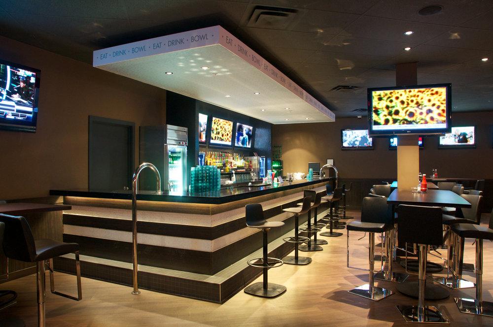 Ed's Lounge - 2 interior 1.jpg