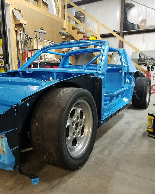 Porsche project back from paint and raptor lined the bottom. Suspension on and ready for it go with the owner to be finished . . . #skin #bones #skinandbones #skinandbones #skinandbonesfab #fabrication #welding #patch #porsche #porsche914racecar #porsche914 #racecar #cage #rollcage #tigwelding #gussets #custom #rollcage