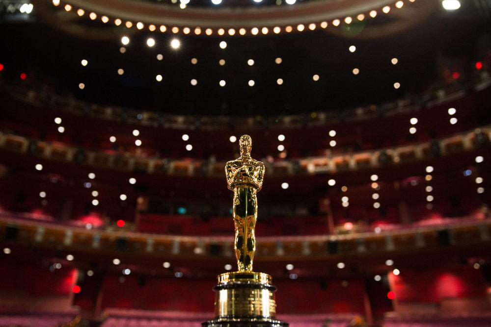 Oscar-Statuette_1-1280x854.jpg