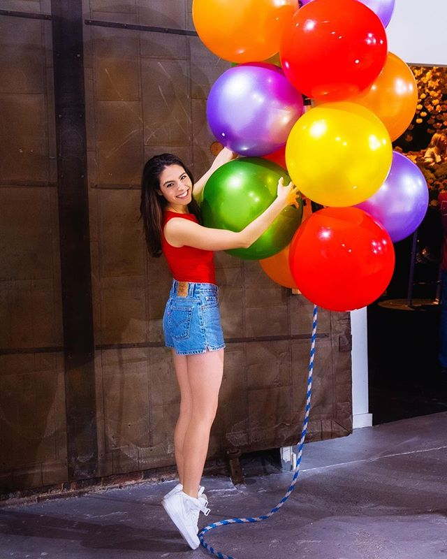 Livin' on the edge... the edge of my tiptoes 🎈(@dennylimmer) #HappyPlace #Balloons #Nike #livingontheedge
