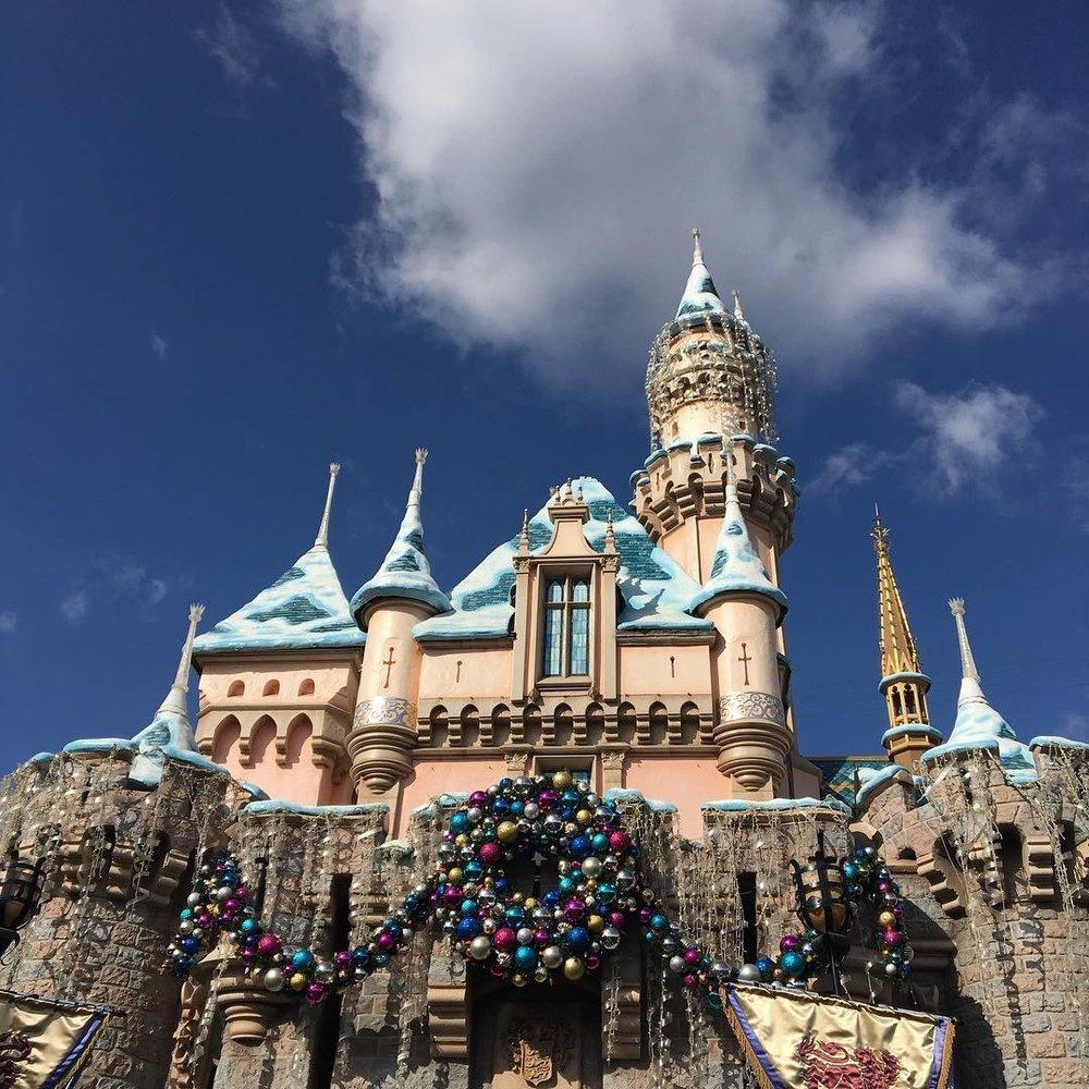 Christmas at Disneyland 2019. #Disneyland #DisneyCaliforniaAdeventure #Disney #Christmas #ChristmasAtDisneyland #DisneylandResort #FestivalofHolidays