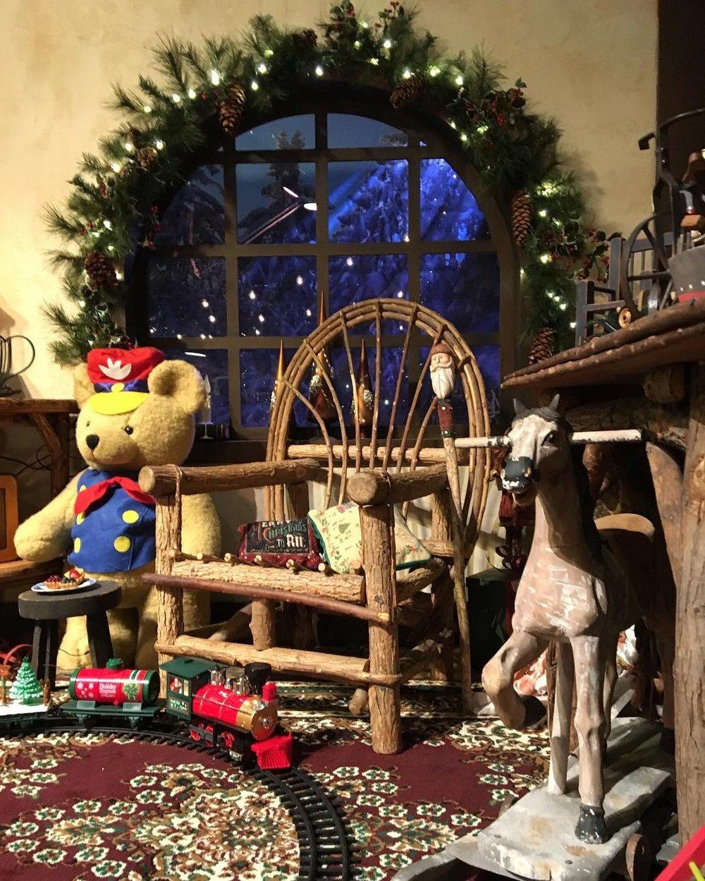 Knott's Merry Farm. #KnottsMerryFarm #KnottsBerryFarm #Knotts #Christmas #OrangeCounty #travel #themepark