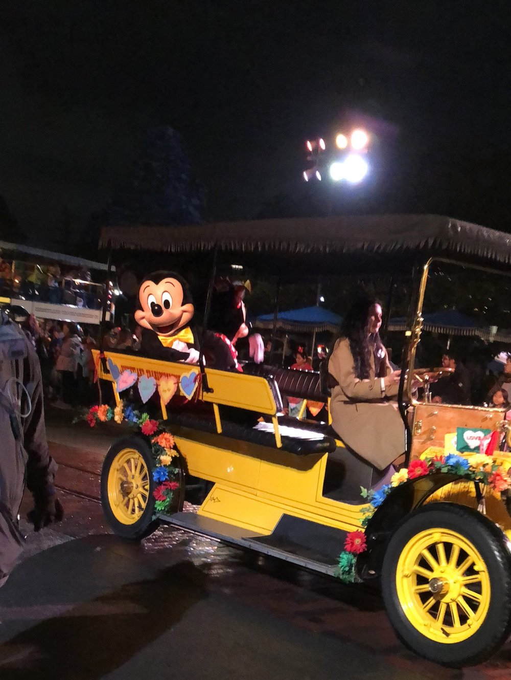 Unexpected And Disappointing Things That Happen At Disney And How To Deal With Them. #Disney #Disneyland #DisneyCaliforniaAdventure #Travel #FamilyTravel #DisneyTips #DisneylandTips