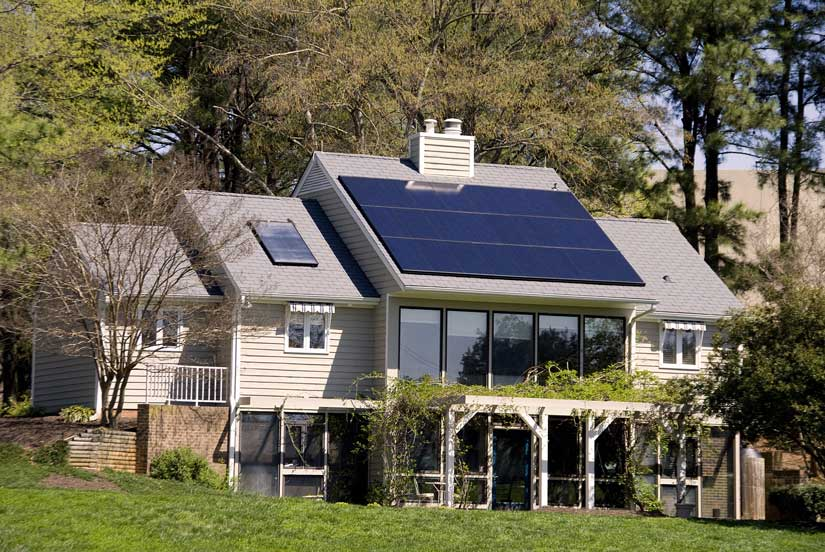 Green Home Strategies Explained - Educate yourself on the top methods for reducing the environmental impact of your home. Whether you are buying or renovating a home, resources are provided to help you get started.