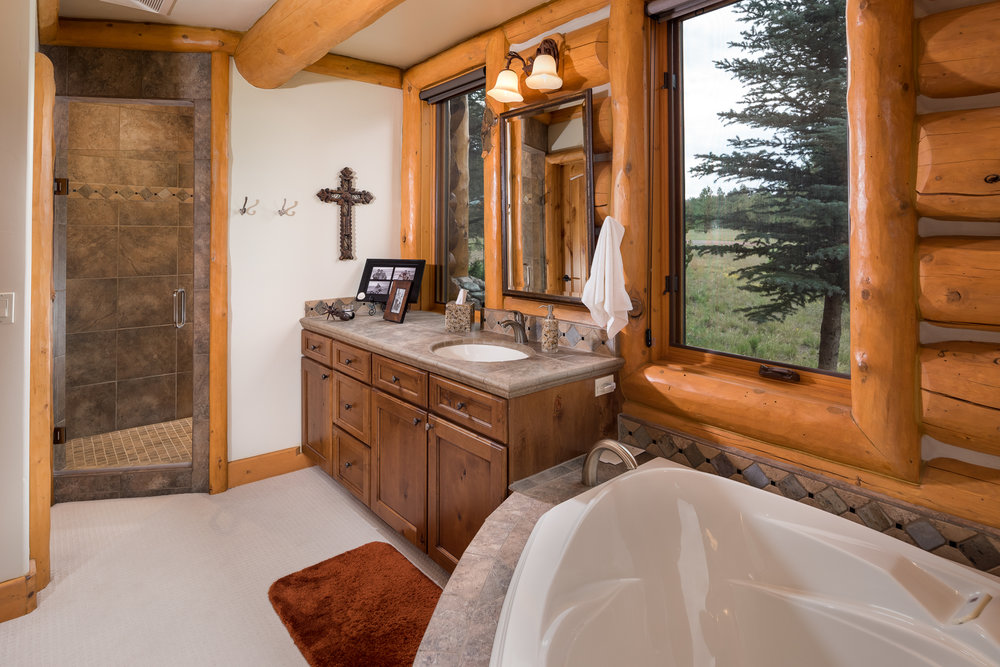 19- Master Bathroom.jpg