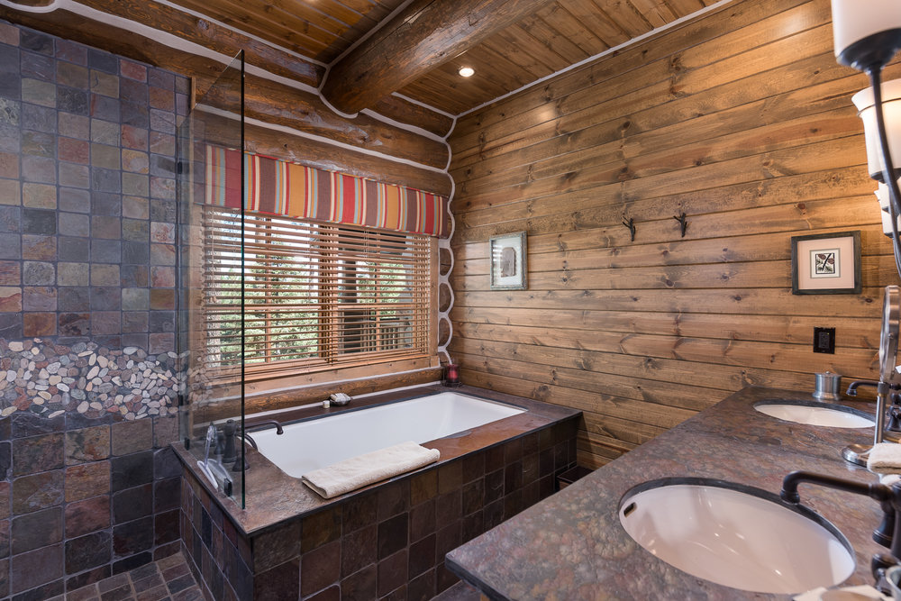 19- Bed 2 Bath.jpg