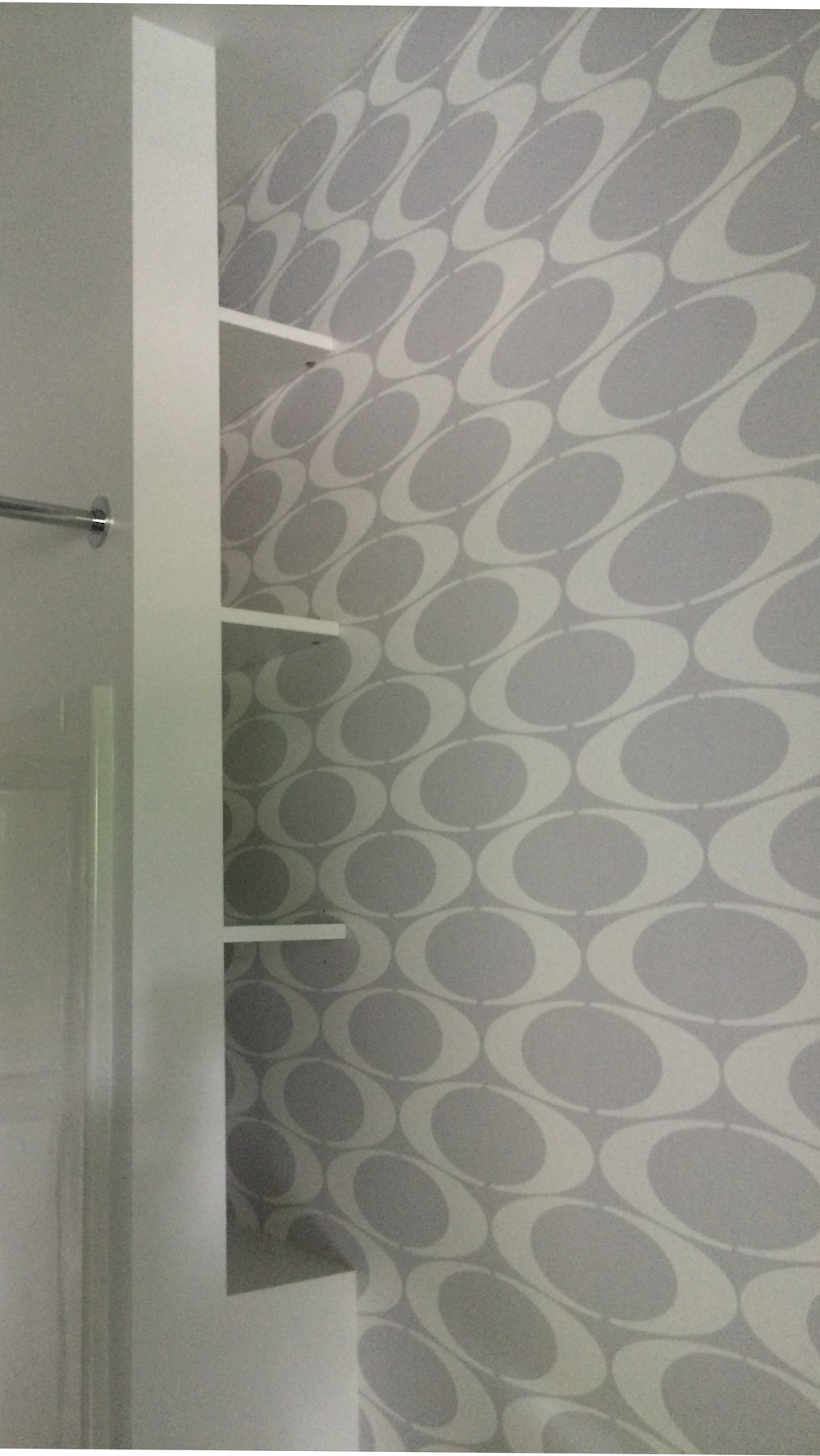 bathroom wallpaper.jpg