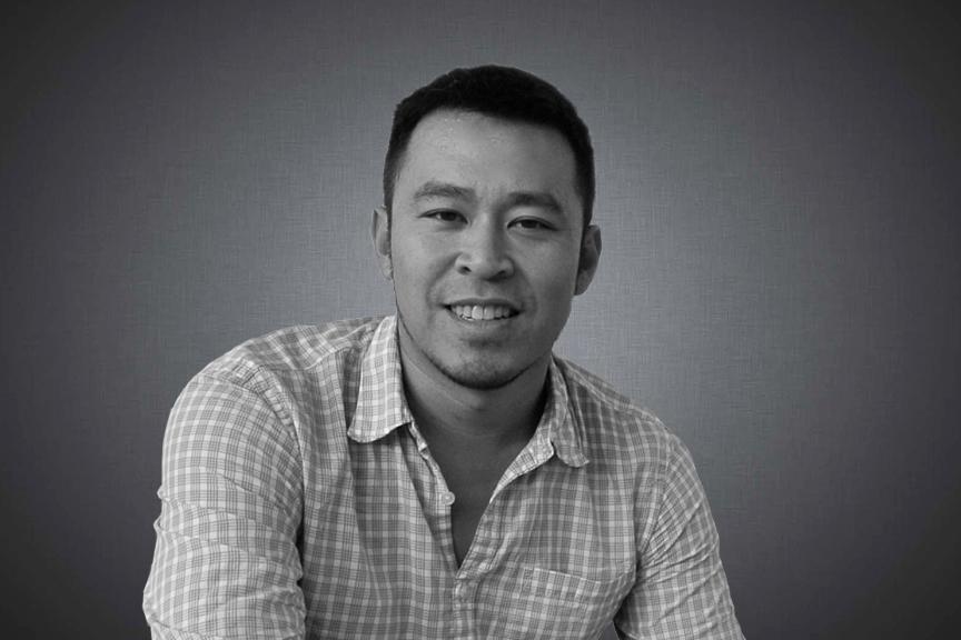 龍乔恩, 董事总经理   乔恩拥有超过17年举办中国市场生命科学/医疗健康会议的经验。他先后创立和举办了中国第一个医药研发国际会议(Impact China 2005)、第一个临床开发会议(ChinaTrials 2008),第一个医学事务会议(中国医学事务峰会2012)以及第一个医疗投资峰会(启珂健康投资论坛 CHIC 2010)。
