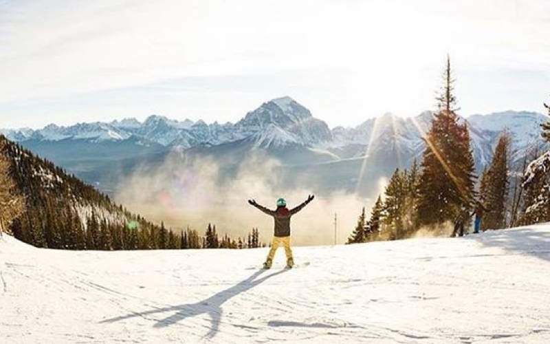 Vancouver - From 192,000 Points - ReturnPopular Airlines: Qantas, Air CanadaGateway to Whistler and stunning Canada nature 🇨🇦Average Cash Price: $7750Our Price: $2500 & Points (all inclusive fees & airport taxes) You Fly: 67% OFF Business Class
