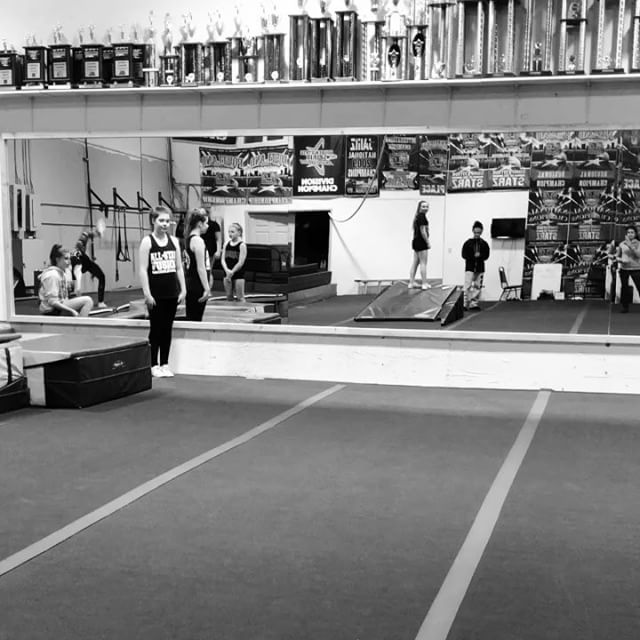 We aren't sure where these videos went after we uploaded them yesterday... 🧐 So lets try this again!! Snaps for @asf_ashlynn and her two #newskill tumbling passes!! 👏🏻👏🏻 Way to go girl!!!