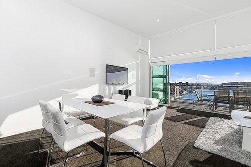 Viaduct-City-Apartments-For-Sale-Auckland-Hamish-Duke-67_145_Quay_St_2.jpg