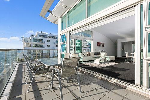 Viaduct-City-Apartments-For-Sale-Auckland-Hamish-Duke-67_145_Quay_St_4.jpg