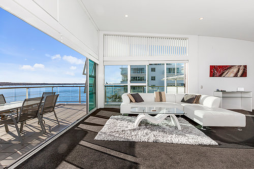 Viaduct-City-Apartments-For-Sale-Auckland-Hamish-Duke-67_145_Quay_St_9.jpg