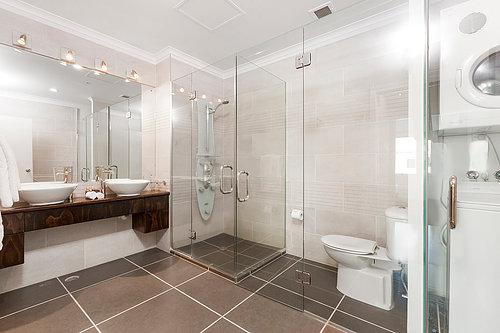 Viaduct-City-Apartments-For-Sale-Auckland-Hamish-Duke-67_145_Quay_St_11.jpg