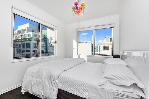 Viaduct-City-Apartments-For-Sale-Auckland-Hamish-Duke-67_145_Quay_St_13.jpg
