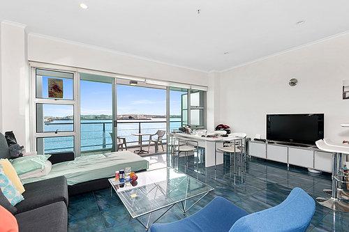 145 Quay St, Princes Wharf - $329,000 / 1 bed / 1 bath / 1 carpark