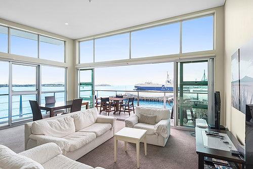 139 Quay St, Princes Wharf - $475,000 /3 bed / 2 bath / 1 carpark