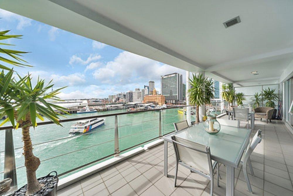 139 Quay St, Princes Wharf - Enquiries over $600,000 / 2 bed / 2 bath / 1 carpark